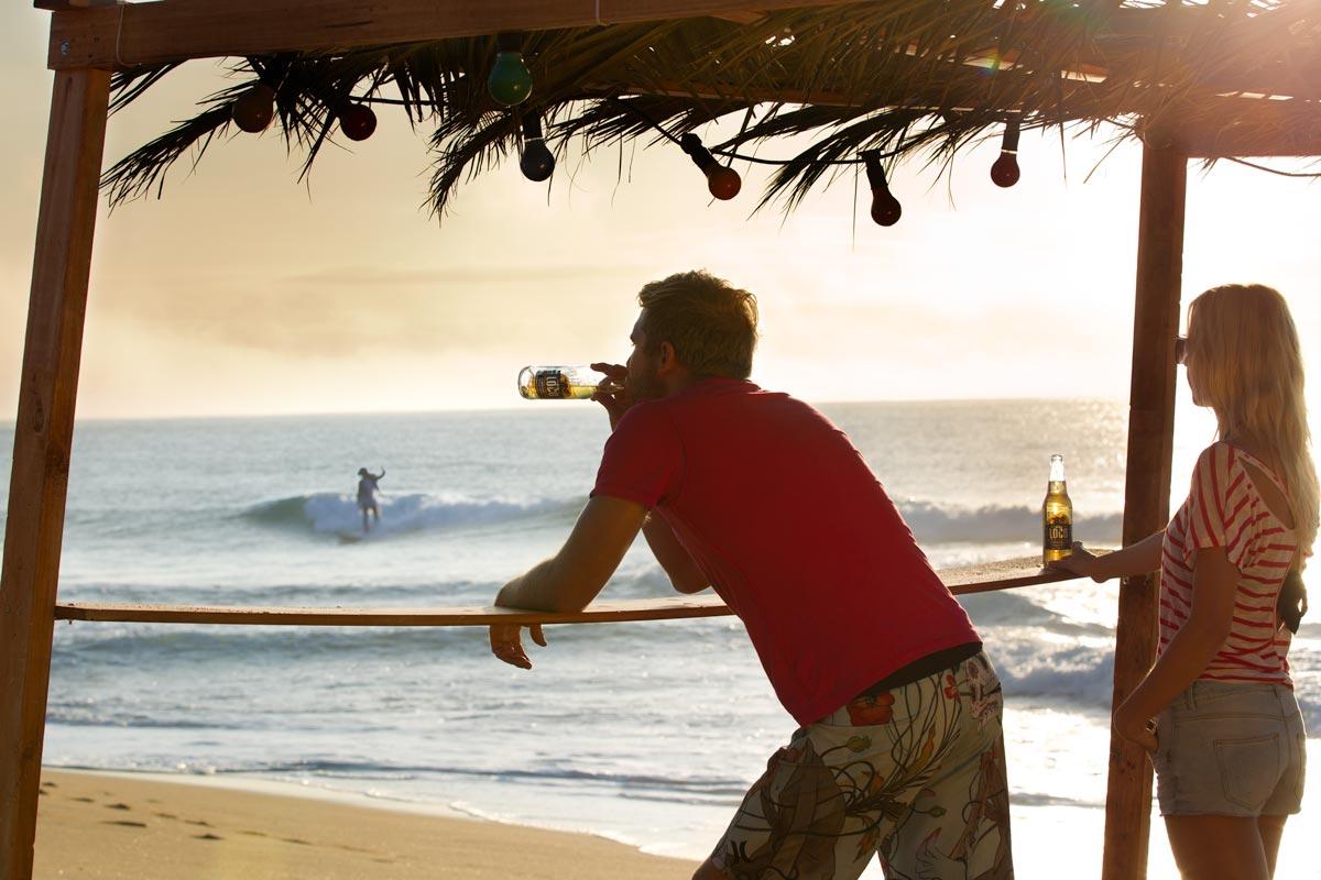 MGL2221_surfer